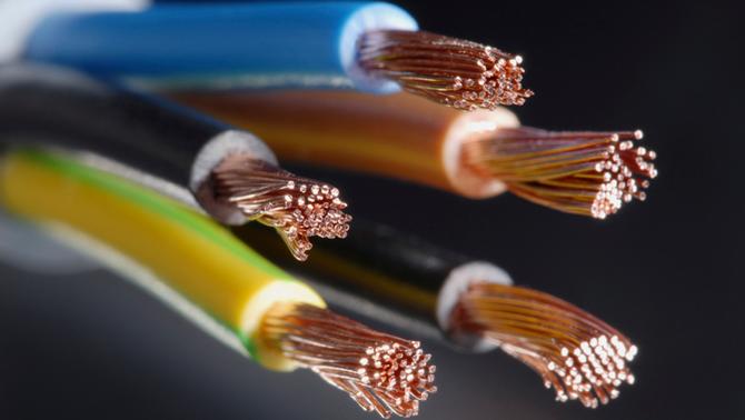 Tại sao nên chọn mua dây cáp điện vặn xoắn?